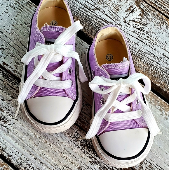 Opoee Shoes | Lavender Canvas | Poshmark